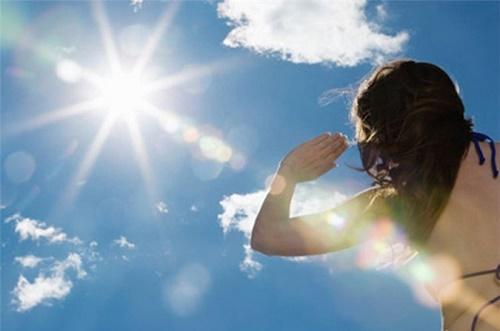 Nguyên nhân gây nám da mặt do tiếp xúc ánh mặt trời