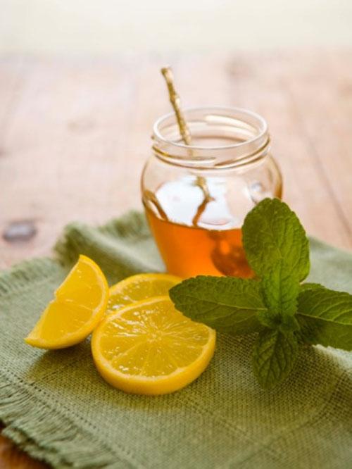 Trị tàn nhang bằng mật ong và chanh hiệu quả