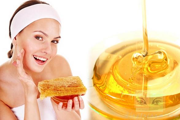 cách chữa tàn nhang trên mặt bằng mật ong