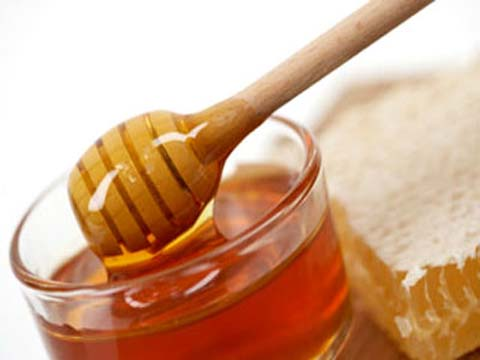 Cách làm mờ tàn nhang bằng mật ong