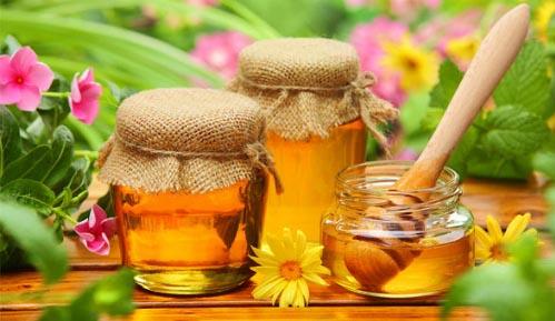 Cách trị nám da bằng mật ong và cà chua