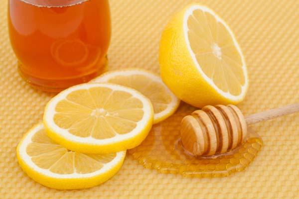 Trị tàn nhang hiệu quả nhất chỉ với mật ong và chanh