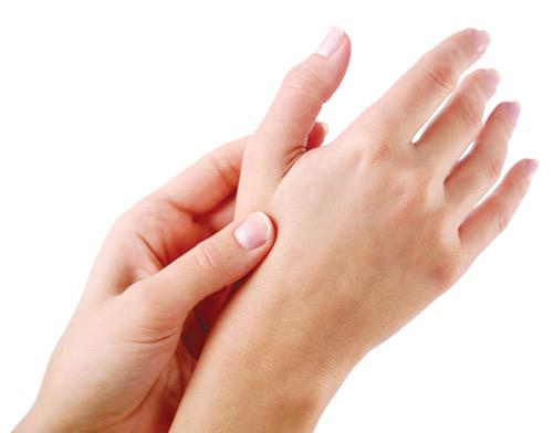 tàn nhang trên tay