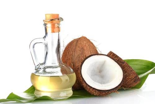 Trị tàn nhang bằng dầu dừa cho da nhờn